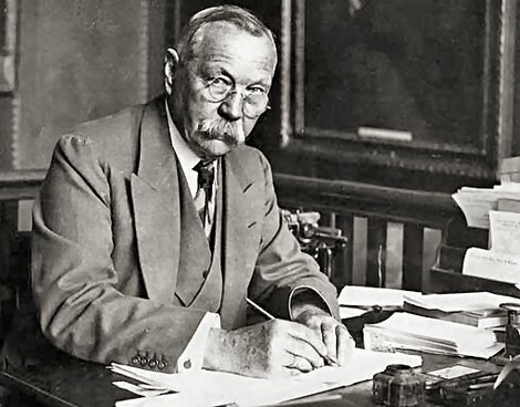 sir arthur conan doyles writings essay He later traveled throughout europe and north america, writing many novels and   featured stories by fans alongside sherlockian news, reviews, essays, and  criticism  the center's sir arthur conan doyle papers include the handwritten .
