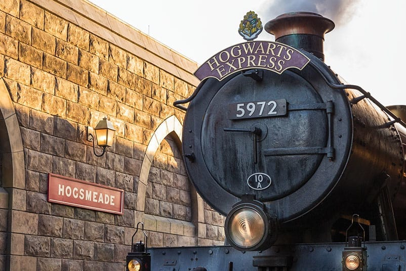 hogwarts-express-train-front2-c